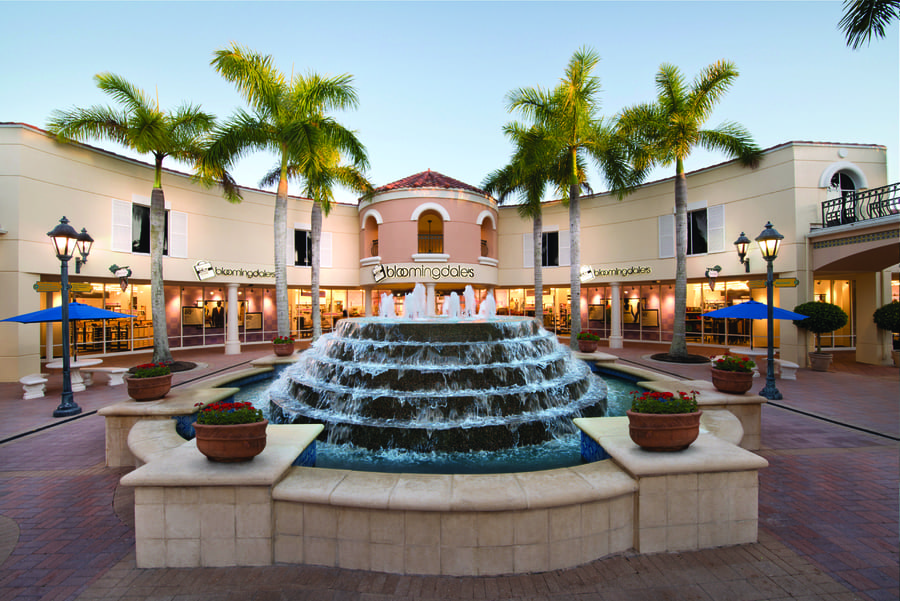 Miromar Outlets in Estero Bloomingdales